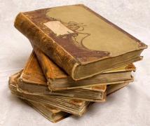 Antiques: porcelain, icons, coins, awards, ortigara, etc