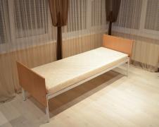 Металлические кровати, матрасы, тумбы, шкафы